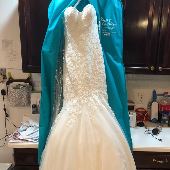 Allure Bridals Dresses Nwt Allure Romance Wedding Dress Poshmark